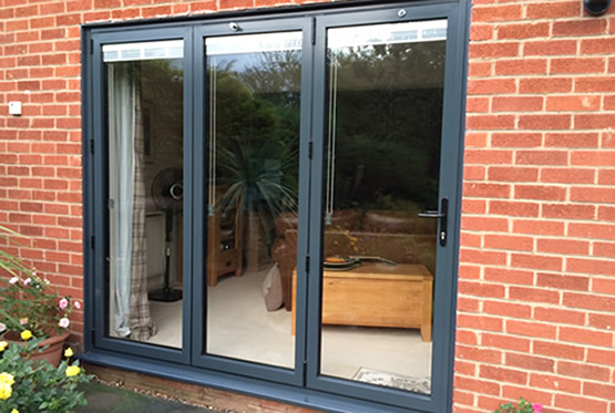 Aluminium Bi-fold door with in-glass blinds, Countesthorpe, Leicestershire